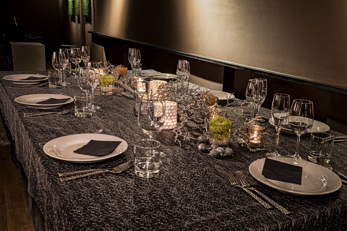 1_copper_room_event_location_mood_dinner_table_III